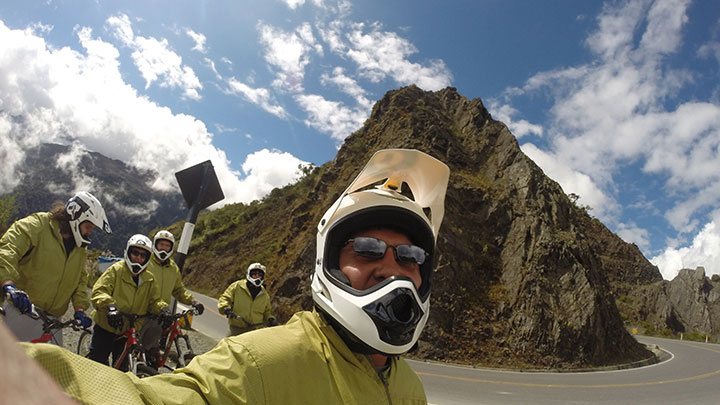 Biking in the Inca jungle of 4 days from the Abra Malaga to Santa Teresa