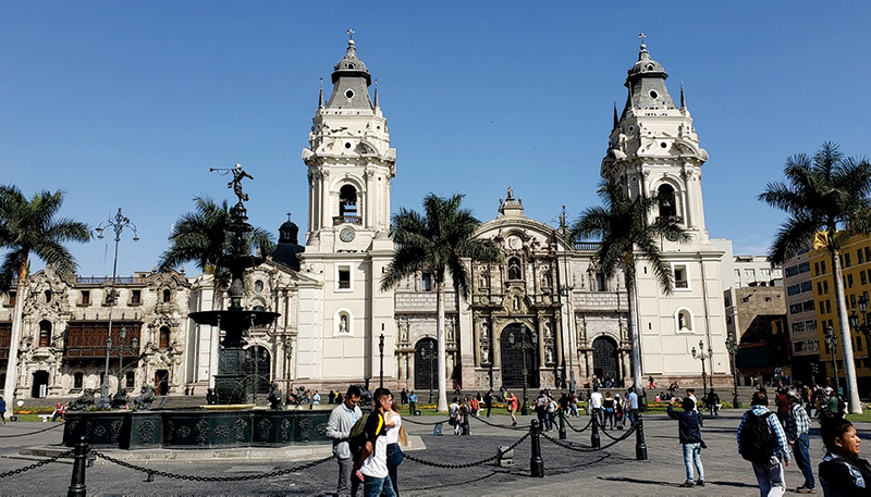 lima city tour cathedral